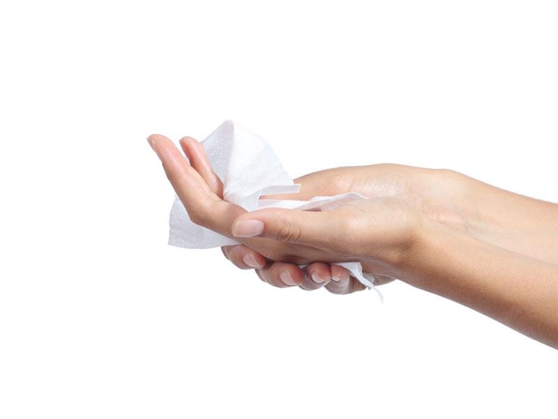 """Học cách dùng khăn giấy ướt """"đúng chuẩn"""""""